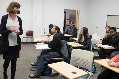 Students Say They're More Than a Number in Economics Department – UMass Lowell